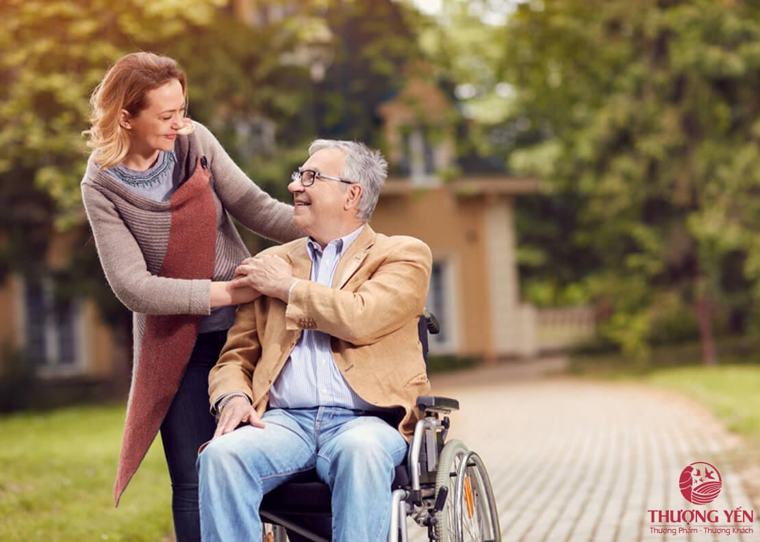 Thăm bệnh người già nên mua gì?