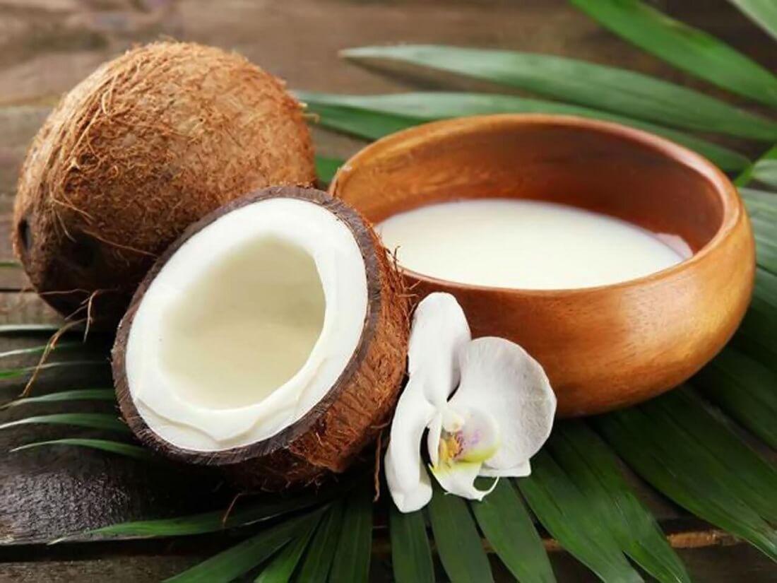Yến chưng nước dừa: trắng da đẹp dáng
